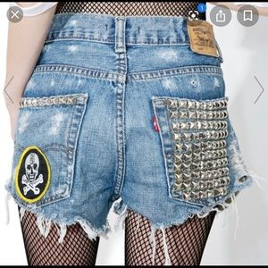 Hazmat design studded shorts